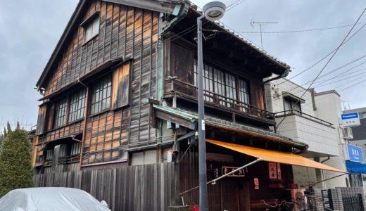 昭和レトロな木造建築のお蕎麦屋さん「進開屋」【有形文化財】